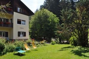 Haus Sabina Vorderseite und Garten